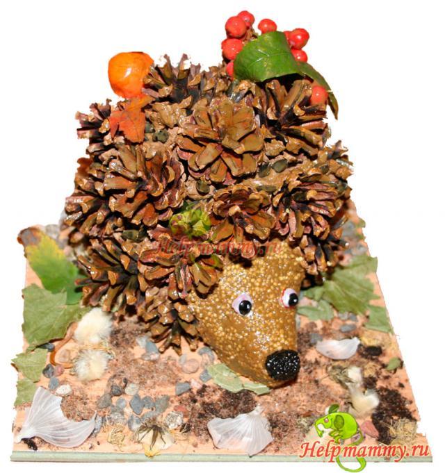 Осенние поделки ежик из шишки